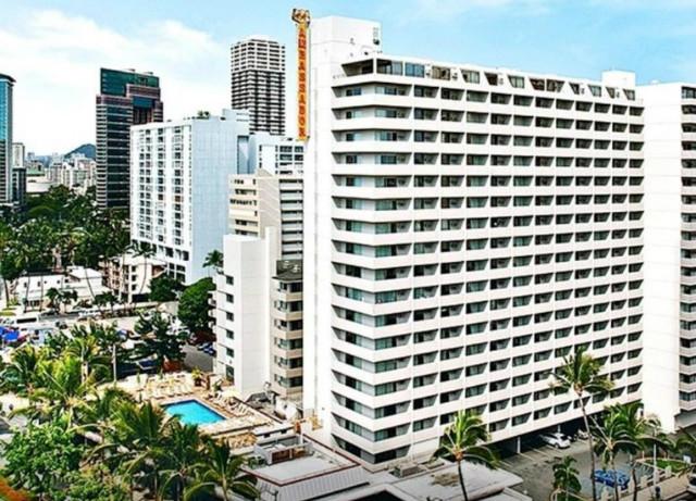 ambassador-hotel-waikiki-00.jpg