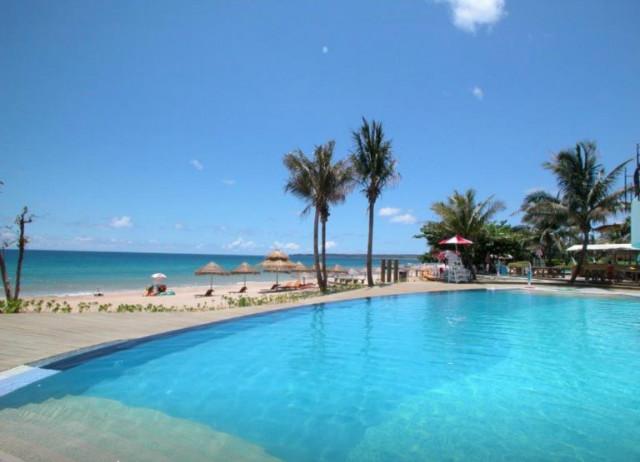 chateau-beach-resort-01.jpg